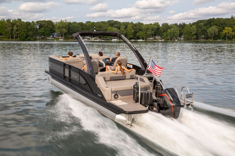 Barletta Pontoon Boat L25UCA 450 engine