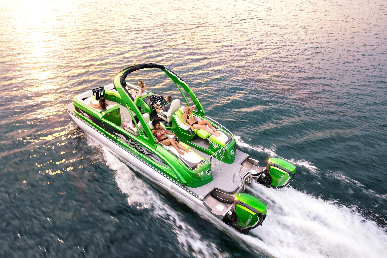 Dual engine pontoon boat